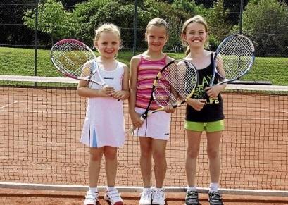 v. l. Eva Zißlsberger, Luca Marie Praska, Melanie Weber