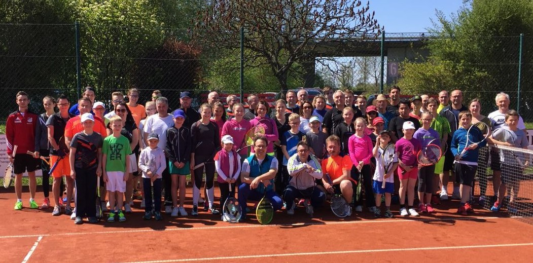 """Die teilnehmenden Duos des """"Family-Davis-Cup"""""""