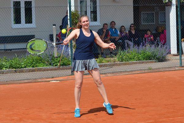 Nach einem spannenden Match ging Nicole Berger in Eschenried als Siegerin vom Platz
