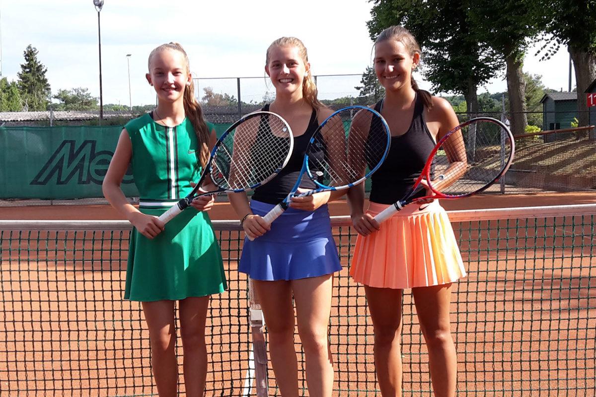 Hannah Brandl, Karina Hofbauer und Carmen Lehner - TC Hengersberg