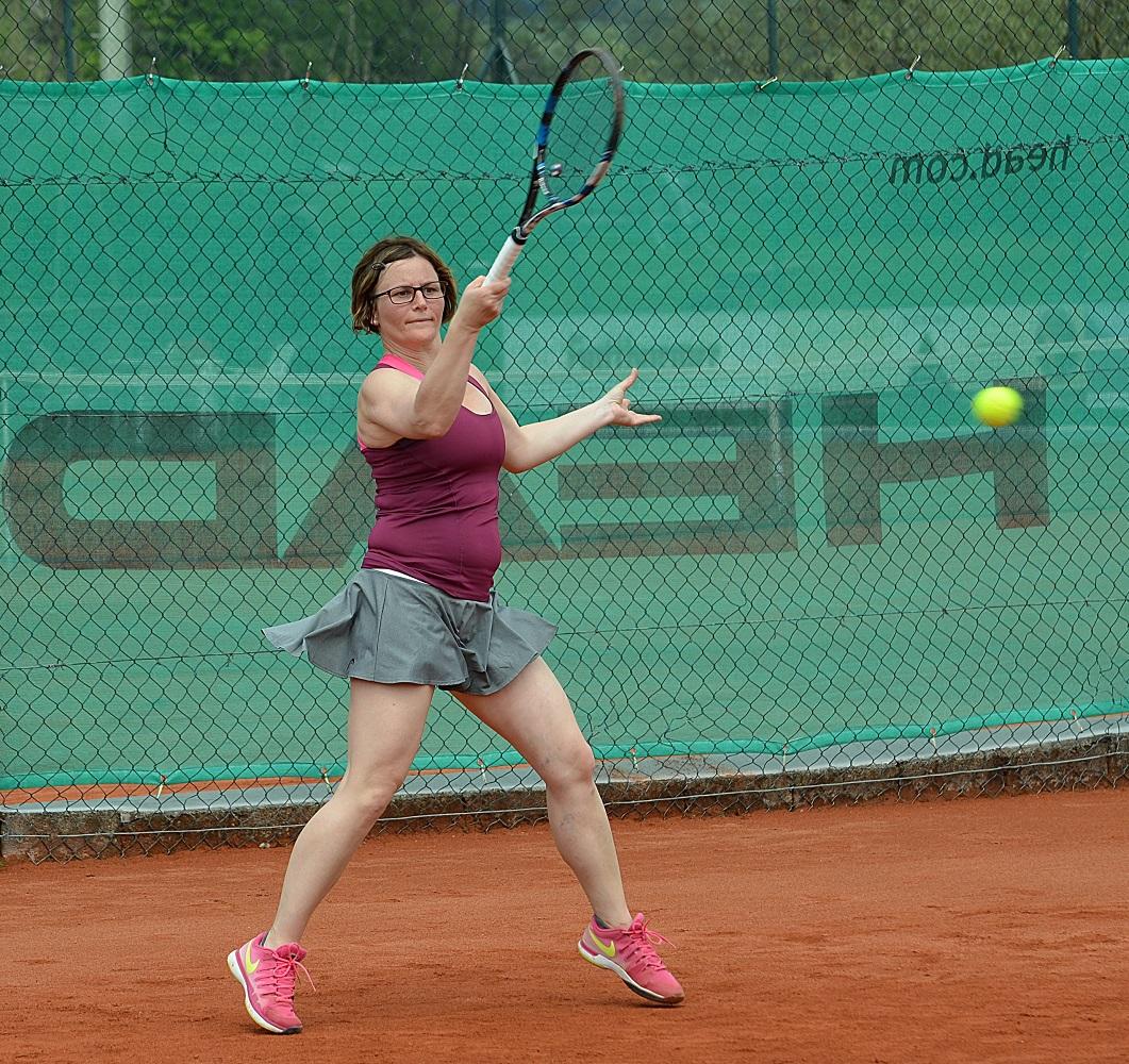Die Mannschaftsführerin der Damen, Annette Schwiewagner, erlitt einen Bänderriss
