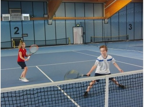 Gymnasium Niederalteich - Training in der Tennishalle Hengersberg
