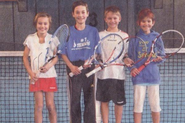 Die Tennis-Talente (v.l.) Magdalena Sagerer, Marco Moser, Tizian Thaler und Carmen Lehner